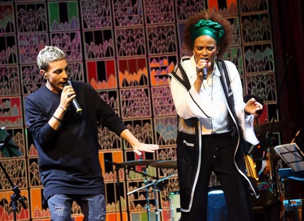 Di Ferrero e Luciana Mello (Foto: Marcos Ribas/Brazil News)