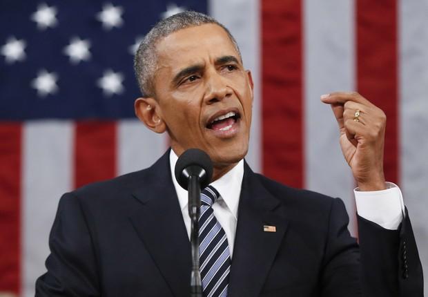 O presidente norte-americano Barack Obama faz seu último discurso do Estado da União antes da sessão do Congresso no Capitólio. Obama refletiu sobre seus 7 anos de governo e falou sobre mudança climática, controle de armas e imigração (Foto: Evan Vucci/Getty Images)