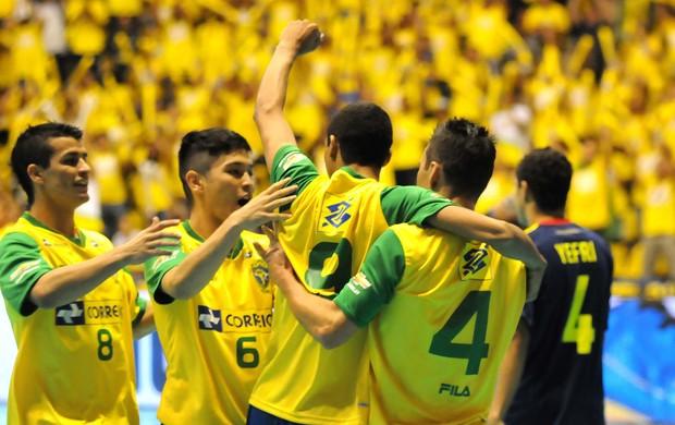 Seleção brasileira vence a Colômbia no Desafio Internacional de futsal (Foto: Luciano Bergamaschi / Divulgação CBFS  )
