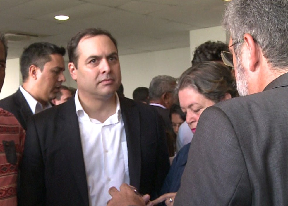 Governador Paulo Câmara se pronunciou sobre o assunto durante anúncio de repasse de R$ 85 milhões para obra em Jaboatão (Foto: Reprodução/TV Globo)