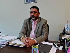 Delegado Orlando Amaral acredita que mortes foram orquestradas (Foto: Sérgio Rodrigues/G1 AM)