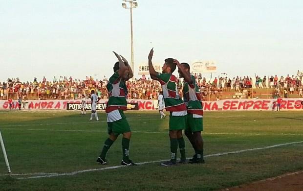 Jogadores do Santa Cruz-RN comemoram segundo gol (Foto: Divulgação/Santa Cruz-RN)