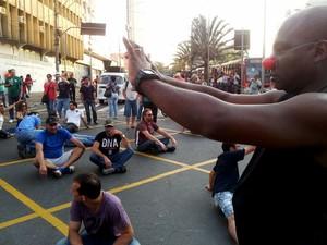 Funcionários da Emdec protestam na área central de Campinas (Foto: Lana Torres / G1 Campinas)