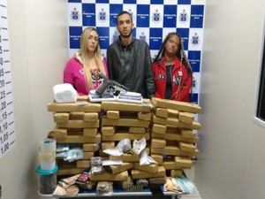 Três pessoas foram presas por tráfico de drogas após operação da polícia em Vitória da Conquista (Foto: Divulgação / Polícia Civil)