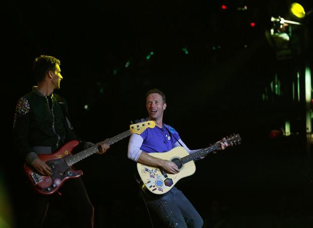 Coldplay se apresenta no festival Glastonbury, na Inglaterra (Foto: REUTERS/Stoyan Nenov)