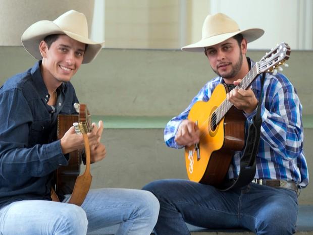 João Lucas e Léo se apresentam na praça central neste domingo (19) em Sarapuí (Foto: Divulgação/Prefeitura de Sarapuí)
