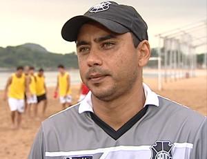 Erich Bomfim, técnico do Rio Branco-ES de futebol de areia (Foto: Reprodução/TV Gazeta)