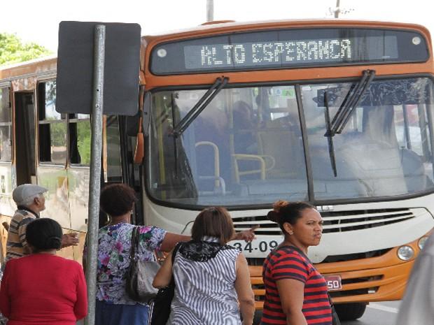 Passageiros lidam com a insegurança ao usar o transporte coletivo em São Luís (Foto: Biaman Prado / O Estado)