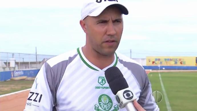 Marcos Ferrari - técnico do Palmeira-RN (Foto: Reprodução/Inter TV Cabugi)