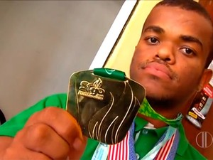Gustavo Tavares conquistou medalha de ouro no Chile (Foto: Reprodução/Inter TV Cabugi)