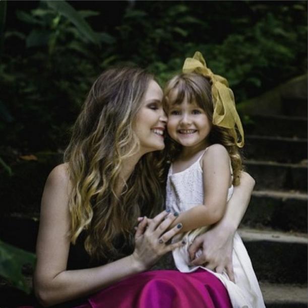 Fernanda Rodriguem com a filha Luisa (Foto: Divulgao / Instagram)