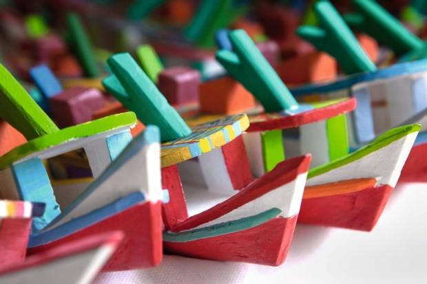 Barcos de miriti, 10 cm, a partir de R$ 15 cada um (Foto: Lufe Gomes / Editora Globo)