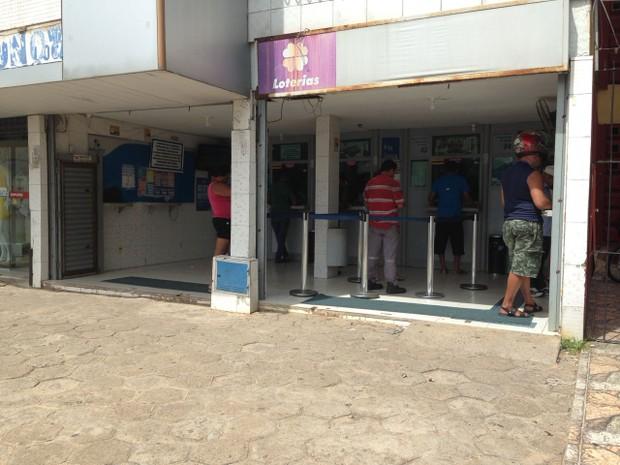 Aposta de R$ 3,50 saiu de lotérica em Fortaleza na Avenida Godofredo Maciel, na Maraponga (Foto: Vagner de Sousa)