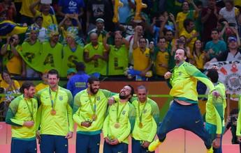 Mané Garrincha e Arena da Baixada recebem campeões olímpicos de vôlei