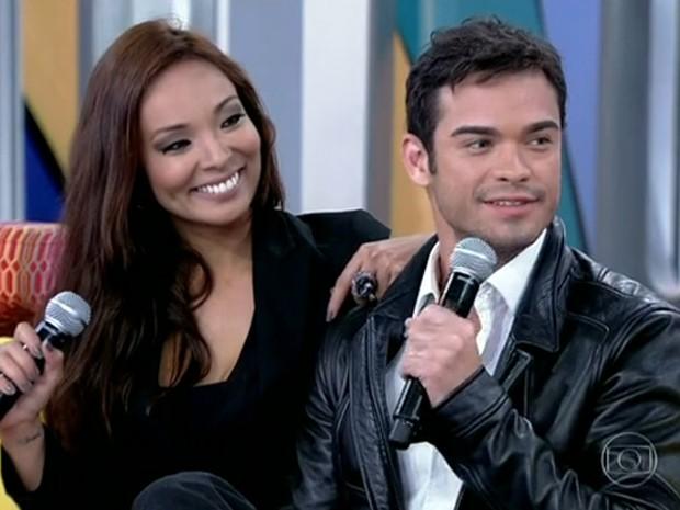 Nakamura e Sidney Sampaio falam sobre casamento (Foto: Encontro com Fátima Bernardes/TV Globo)