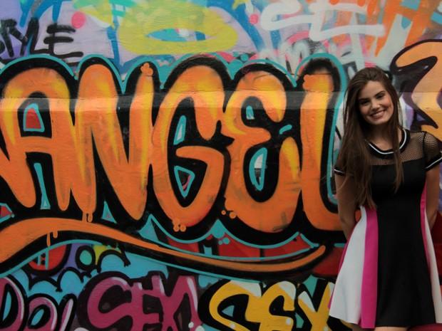 Camila Queiroz vive Arlete, uma das protagonistas da trama (Foto: Marcos Mazini/ Gshow)
