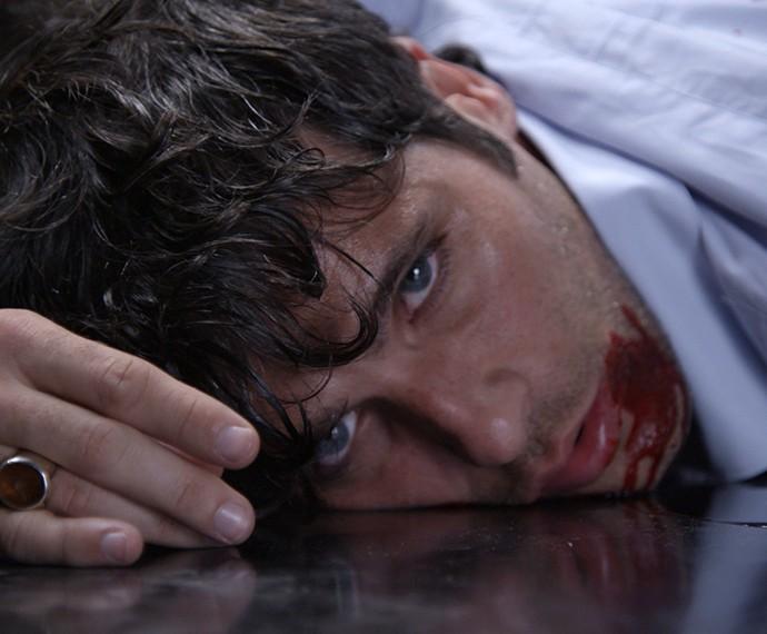 Murilo é assassinado (Foto: TV Globo)