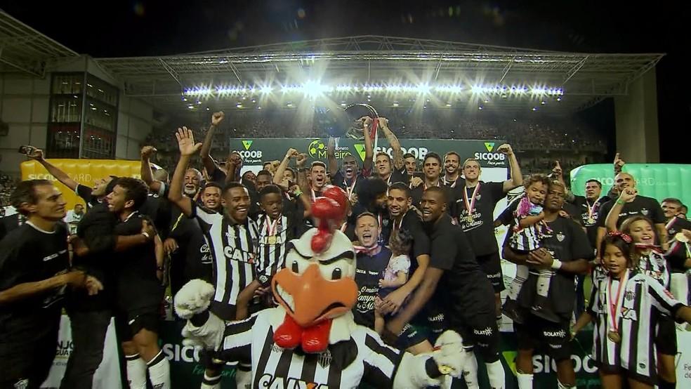 É do Galo! Atlético-MG chegou ao 44º título mineiro de sua história (Foto: Reprodução/TV Globo)