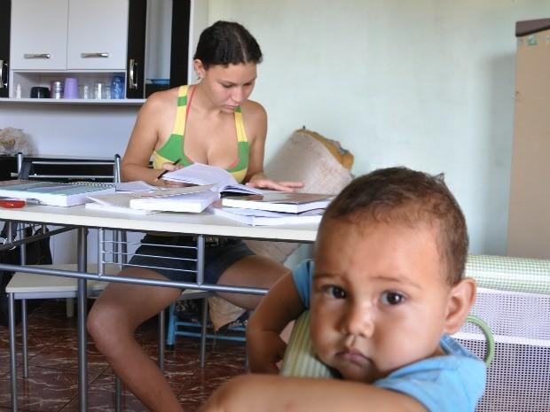 Após dar à luz no Enem, jovem de MS quer concluir curso de administração (Foto: Fabiano Arruda/G1 MS)