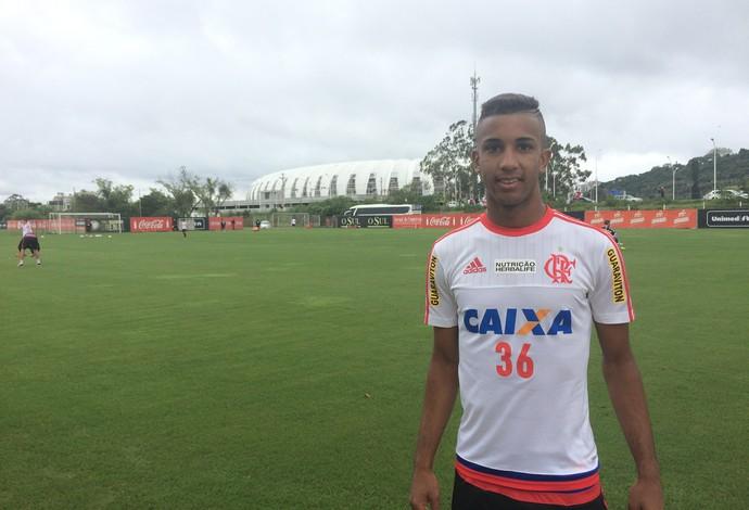 Jorge ao fim do treino no CT do Internacional neste sábado, em Porto Alegre (Foto: Ivan Raupp)
