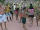 Moradores protestam por falta de água em Marataízes, ES