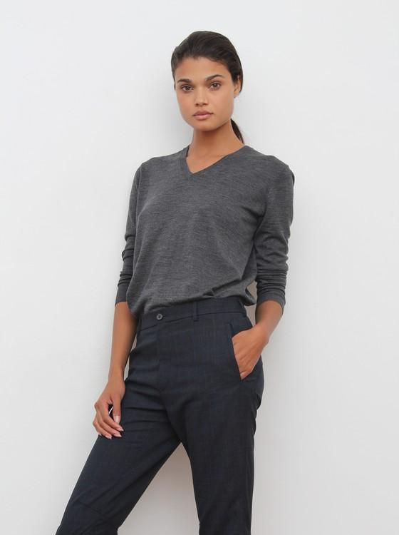 Aos 25 anos Daniela Braga mede 1,80 cm, veste manequim 36, tem 83 cm de busto, 60 cm de cintura e 86 cm de quadril (Foto: Divulgação)