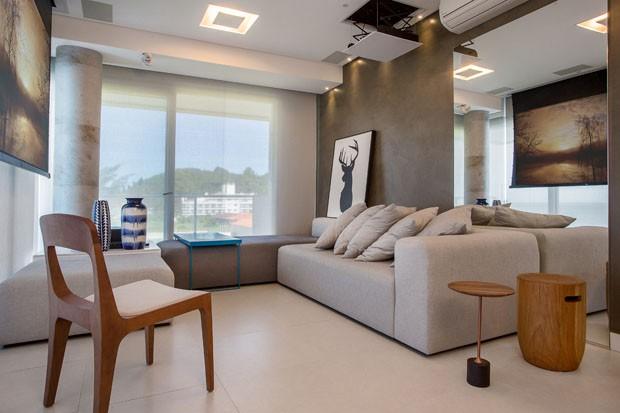 apartamento minimalista enfatiza a integra o com o mar em