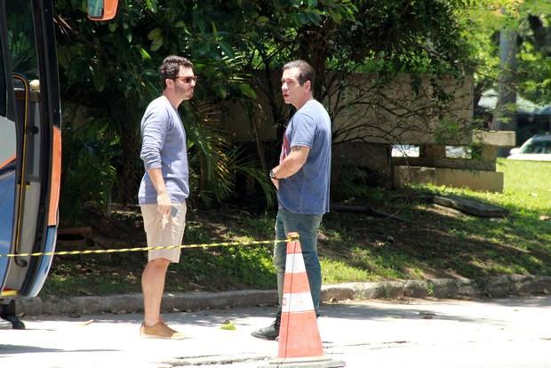 eandro Hassum e Thiago Rodrigues gravam novela na Lagoa Rodrigo de Freitas (Foto: AgNews )