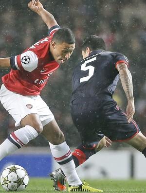 Alex, Arsenal e Olimpiakos - Ap (Foto: Agência AP)