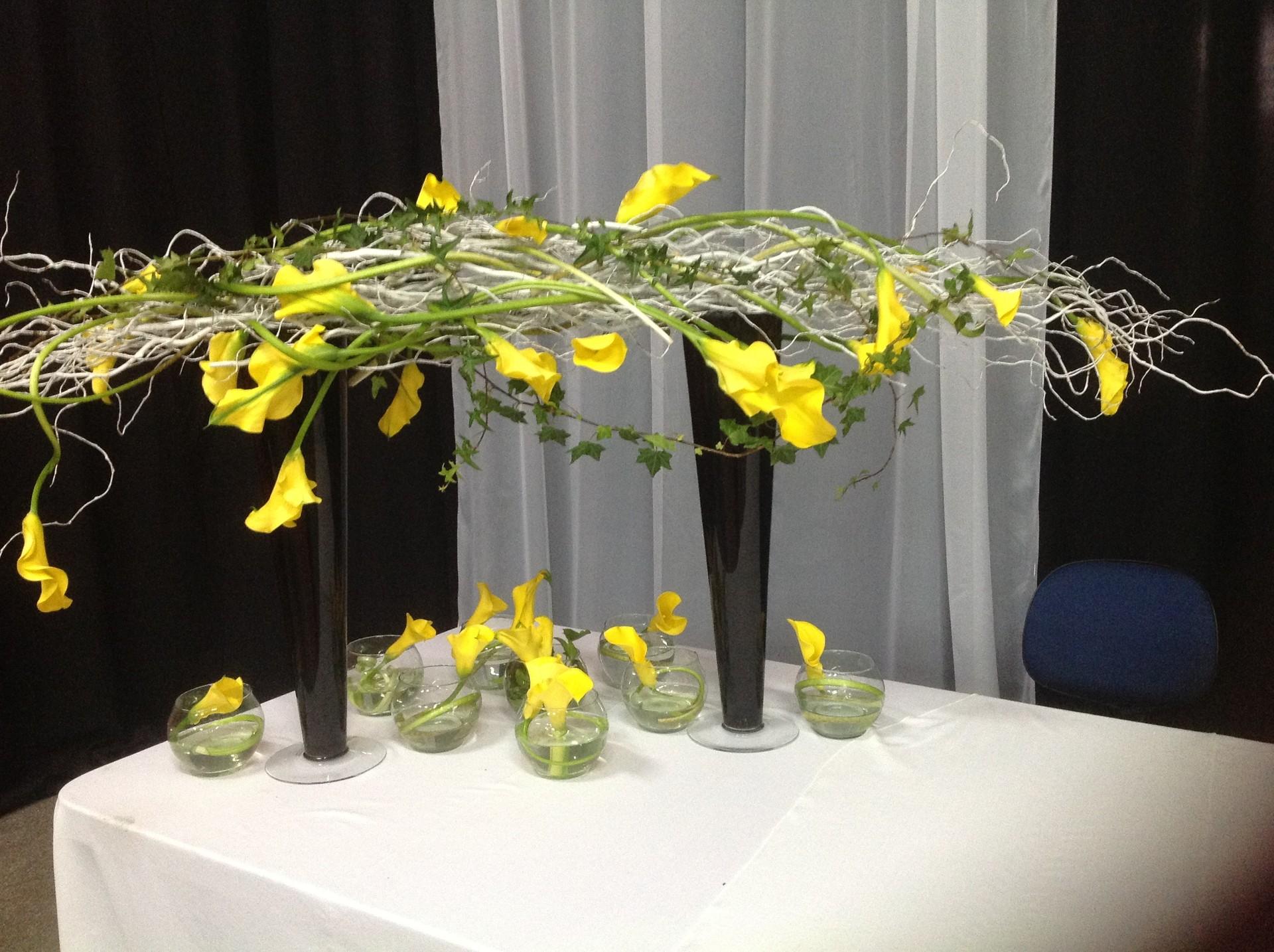 arranjo de flores (Foto: Léo Mendes e Tânia Santos)