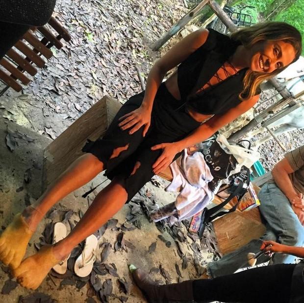 Giovanna Antonelli nos bastidores das gravações de cenas de A Regra do Jogo (Foto: Reprodução/Instagram)