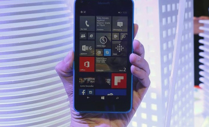 Lumia 640 tem bateria bem potente (Foto: Fabrício Vitorino/TechTudo) (Foto: Lumia 640 tem bateria bem potente (Foto: Fabrício Vitorino/TechTudo))