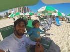 Hugo Moura mostra dia de praia com Maria Flor e dá recado: 'Vem mamãe!'