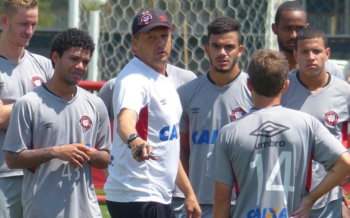 Claudinei Oliveira, Atlético-PR (Foto: Monique Silva)