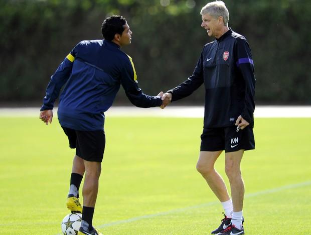 André Santos Arsène Wenger Arsenal (Foto: AFP)
