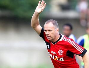 Mano Menezes treino Flamengo (Foto: Alexandre Cassiano / Ag. O Globo)