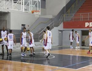 Treino Suzano Basquete (Foto: Thiago Fidelix / Globoesporte.com)