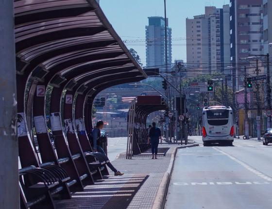 A prefeitura de São Paulo vai tirar verba usada na construção e manutenção de corredores de ônibus da cidade. O decreto foi publicado sábado (25/08) no Diário Oficial (Foto: Marco Ambrosio/Código 19 / Agência O Globo)