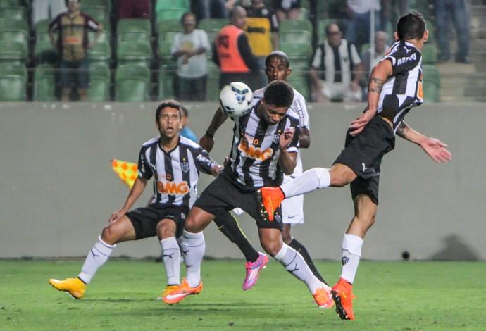 Mesmo sem marcar, atacante André, do Atlético-MG, foi elogiado pelo técnico Levir Culpi (Foto: Bruno Cantini)