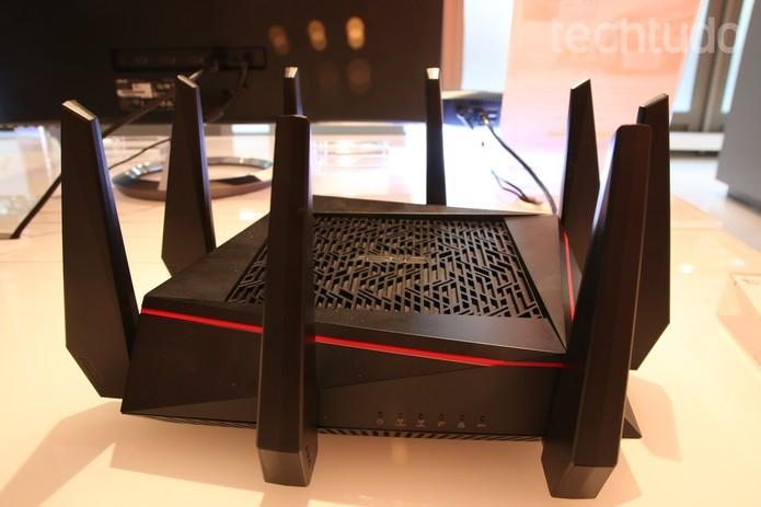 Uso do Li-Fi pode tornar a conexão sem fio viável para jogos em rede, além de deixar roteadores atuais para trás (Foto: Fabricio Virorino/TechTudo)