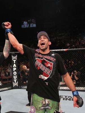 Werdum comemora vitória sobre Roy Nelson no UFC 143, em Las Vegas (Foto: Getty Images)