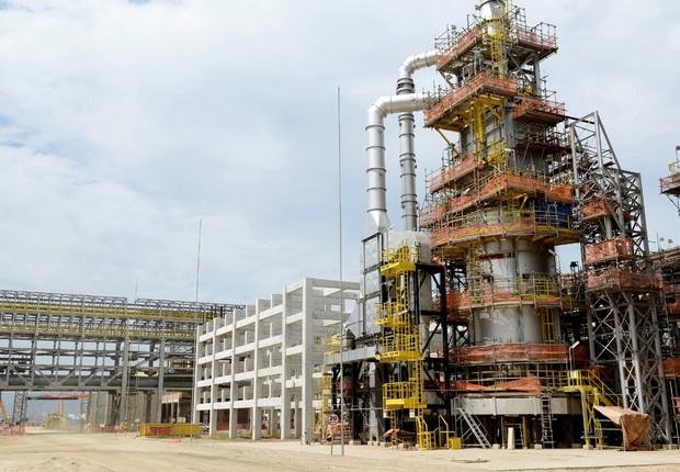 Obras de construção do Complexo Petroquímico do Estado do Rio de Janeiro (Comperj), que está sendo construído em Sambaetiba, Itaboraí (Foto: Divulgação/Agência Petrobras)