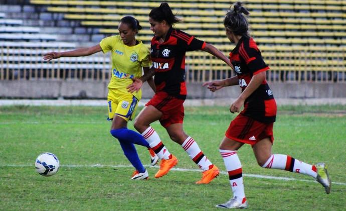 cc4e2e49e1 Tiradentes-PI x Flamengo (Foto  Emanuele Madeira GloboEsporte.com) Flamengo  voltou ao futebol feminino em 2015 ...
