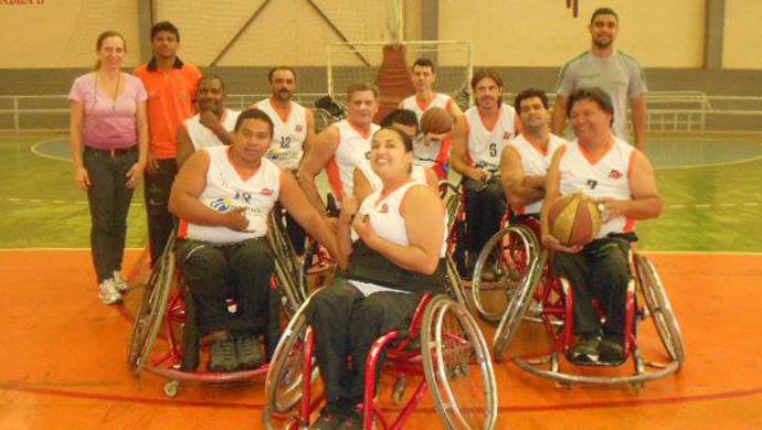 Basquete de cadeira de rodas Adefu Uberaba (Foto: Adefu/ Arquivo Pessoal)