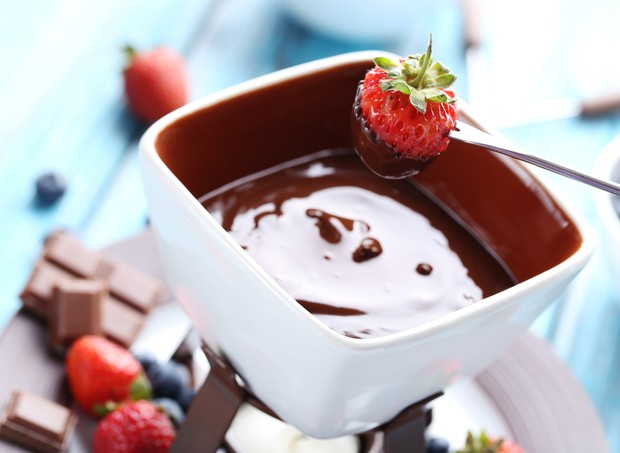 fondue chocolate frutas sobremesa (Foto: Thinkstock)