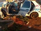 Caminhonete e táxi colidem em cruzamento em Uberaba