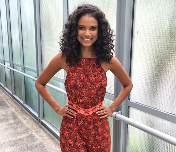 Aline Dias revela curiosidades nos bastidores do Encontro (Foto: Juliana Hippertt/Gshow)