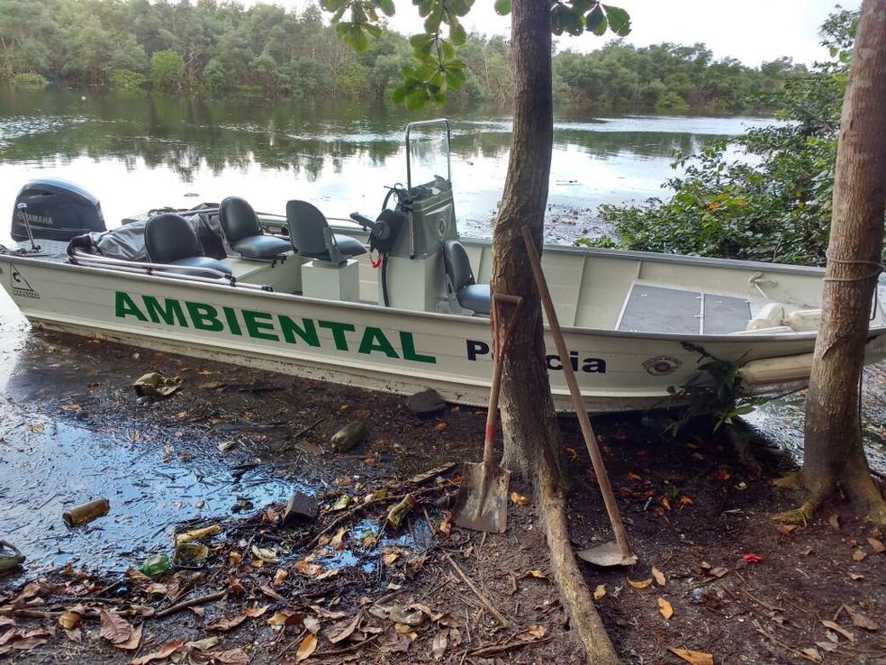 Operação foi realizada com a Polícia Ambiental (Foto: G1 Santos)