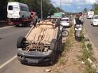 Motorista perde controle do veículo e capota na BR-230 em João Pessoa