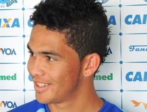 Luciano meia Avaí (Foto: Marcelo Silva)